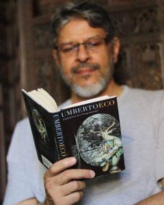 """""""المؤلف، والنص، والمؤولون"""".. الفصل الثاني من كتاب """"اعترافات روائي شاب"""" لإمبرتو إيكو"""
