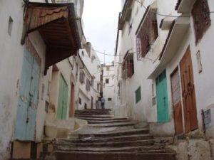 سياحة في المغرب ورحلة الى المدن القديمة وطيبة الناس