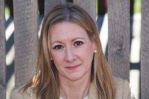 جوليا ستراير