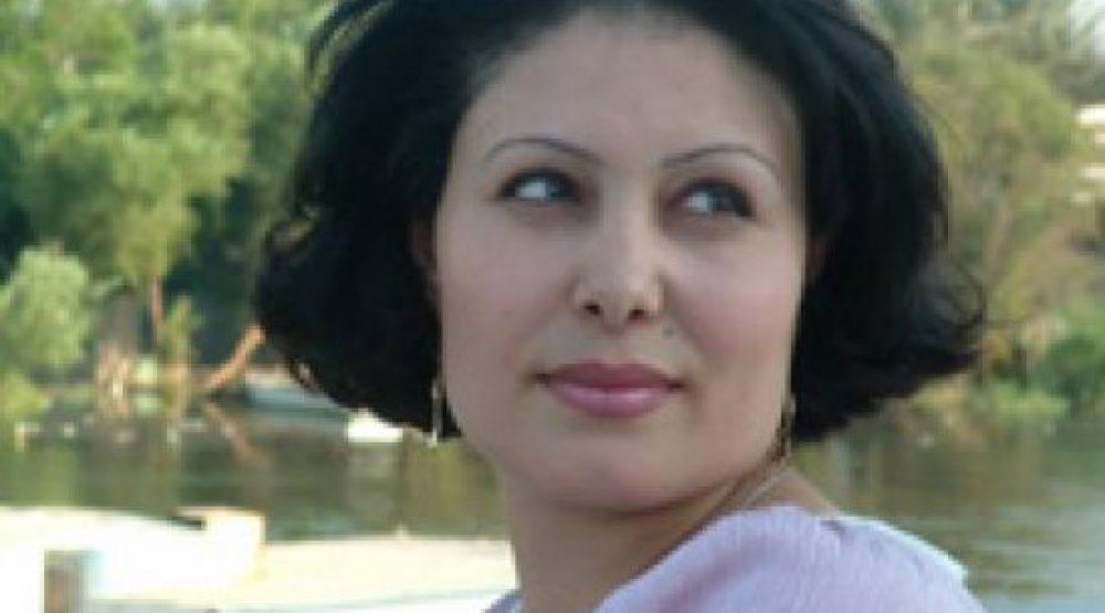 منصورة عزالدين: الكاتب الجيد من له القدرة على الحذف أكبر من القدرة على الكتابة